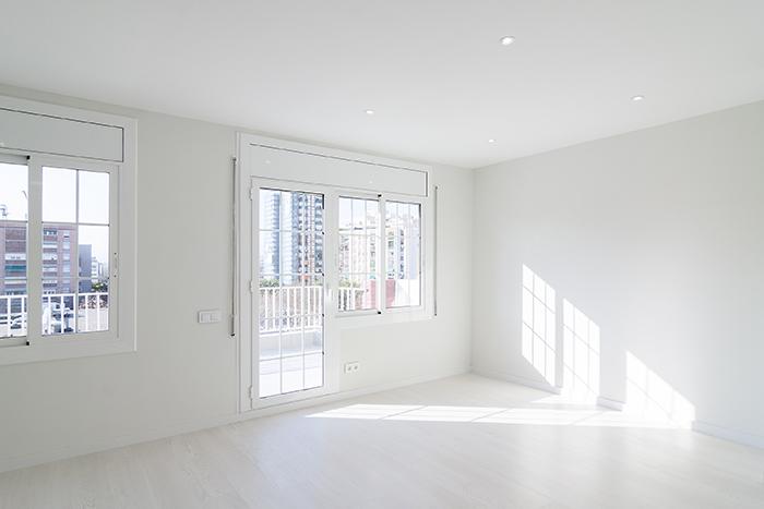 Pintura blanca en dormitorio de Castelao, L'Hospitalet