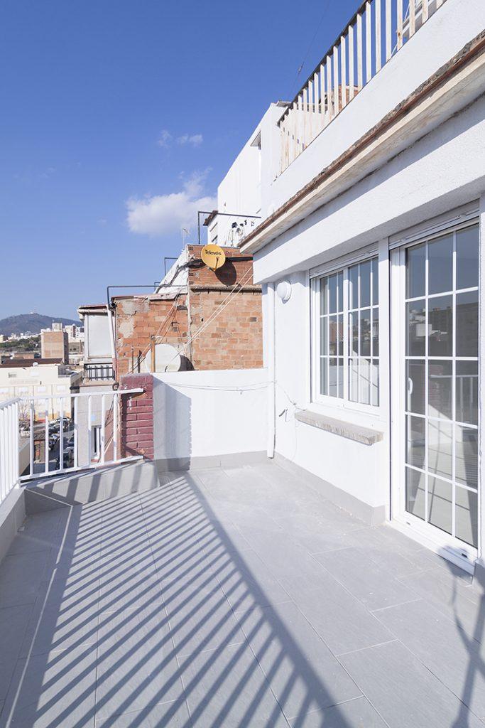 Rehabilitación de balcón en calle Castelao