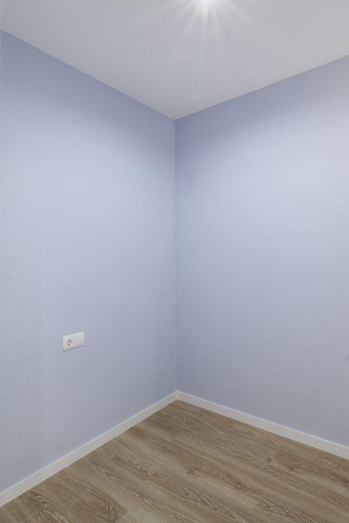 Dormitorio en azul en calle Coll