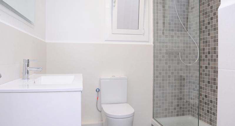 diseño de baños Archives - Grupo Inventia