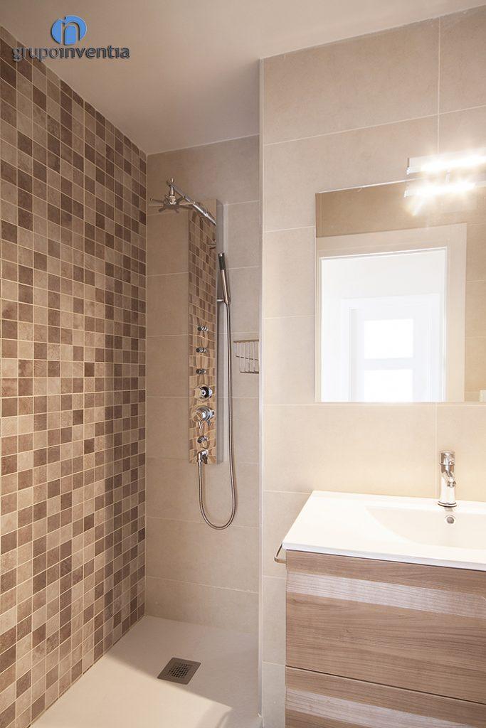 Baño reformado y equipado
