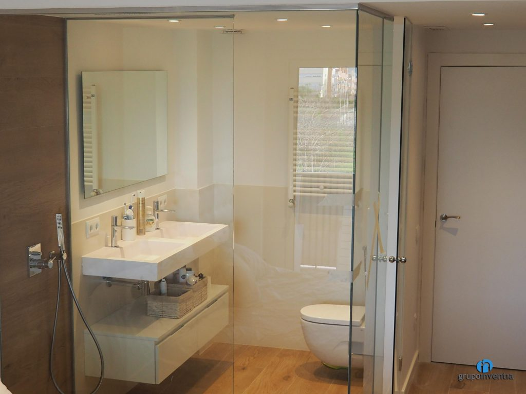 Baño suite en Sant Just Desvern