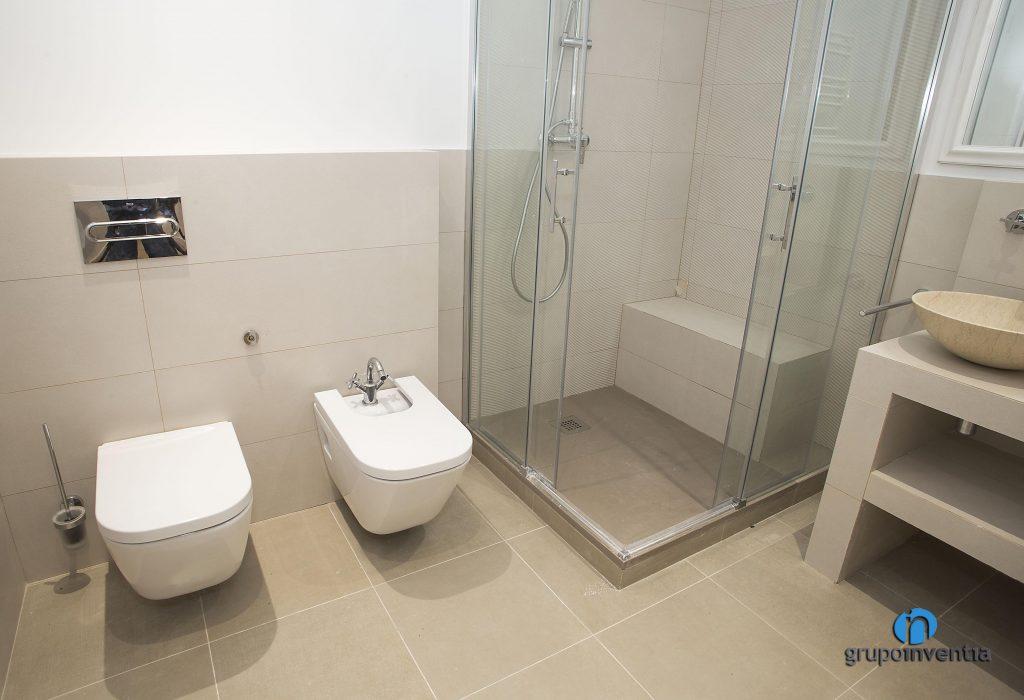 Cuarto de baño nuevo en Sant Just Desvern