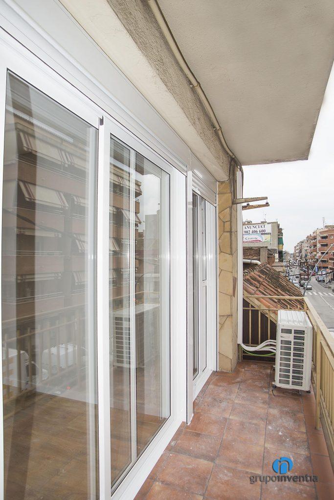 Puertas correderas en balcón en Castelldefels