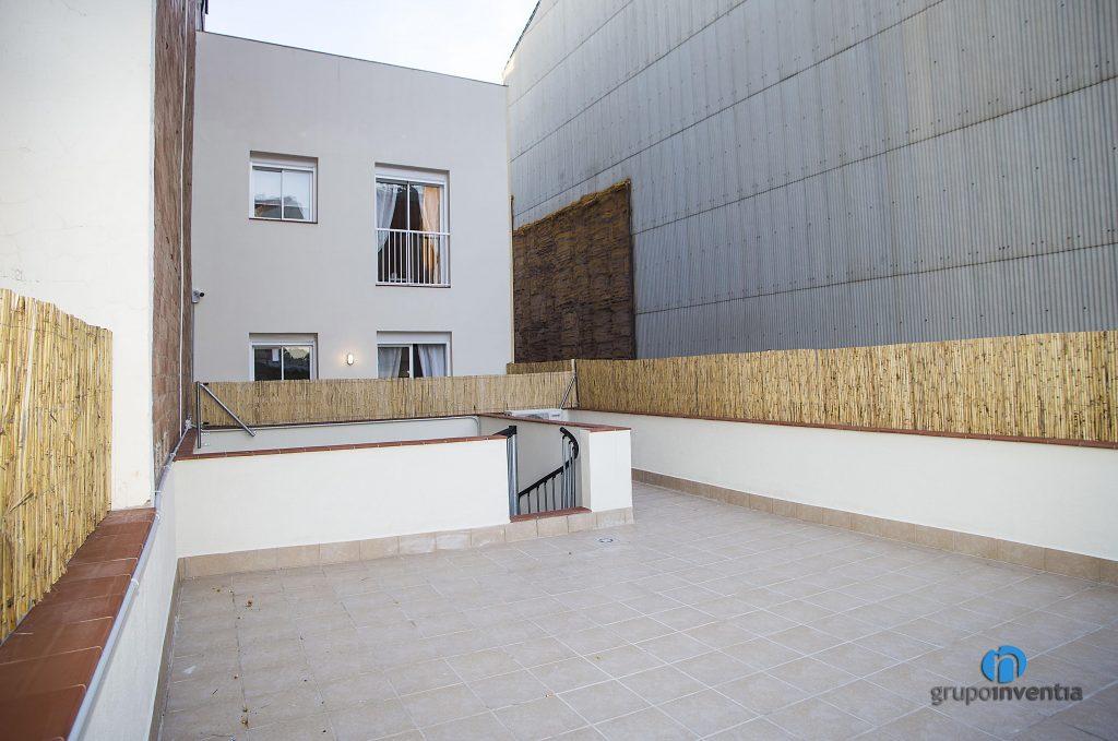 Terraza reformada en calle Pàvia de Barcelona
