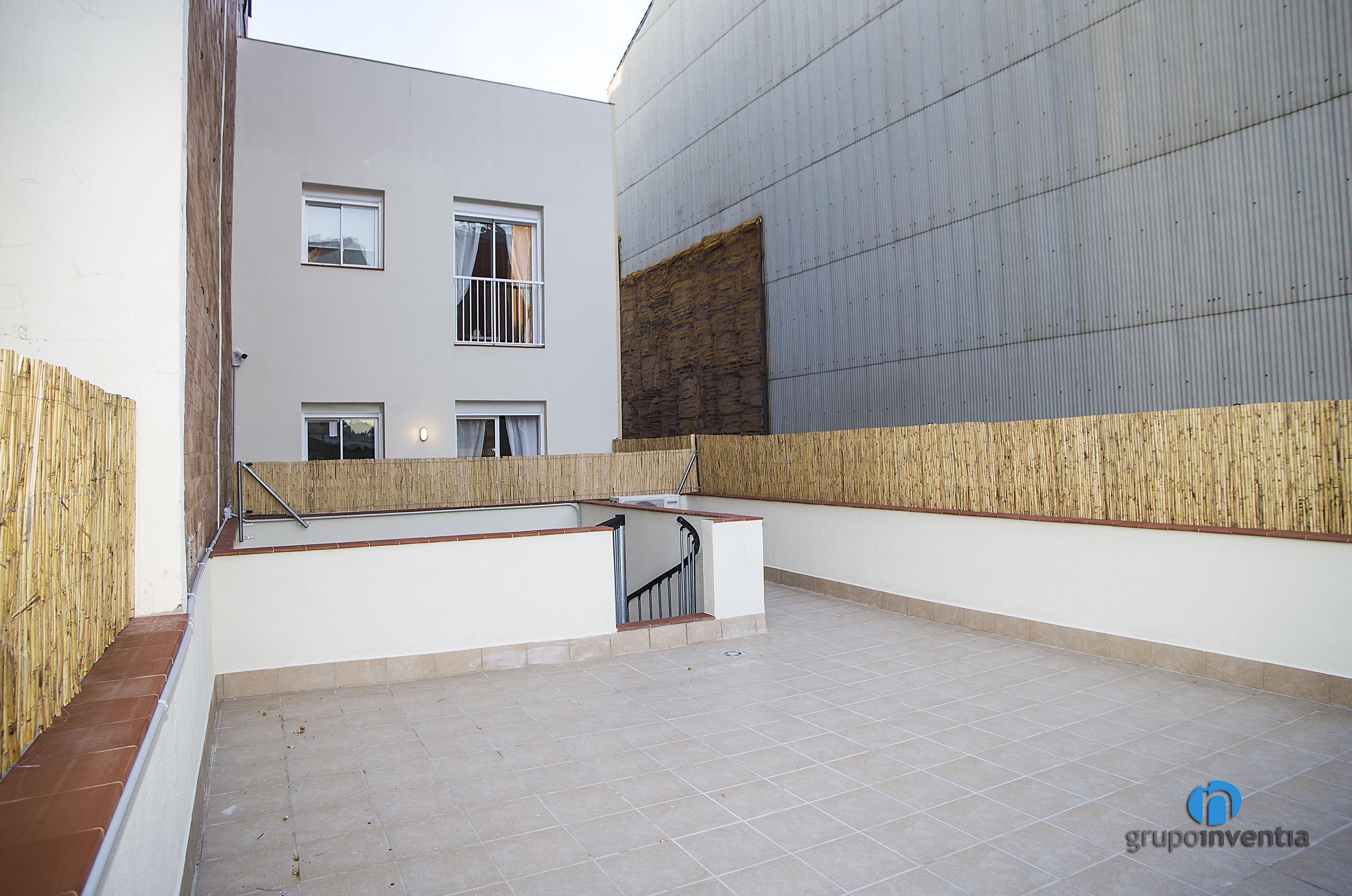 Reforma de terraza en barcelona grupo inventia - Reformas integrales barcelona ...