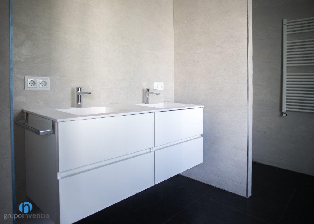 Lavabo con mueble incorporado
