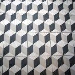 suelo cocina blanco y negro