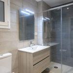 azulejos beige baño