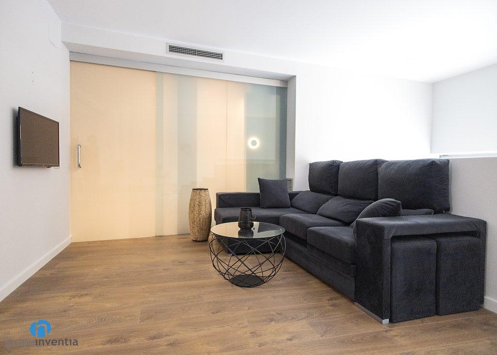 sala de estar con parquet
