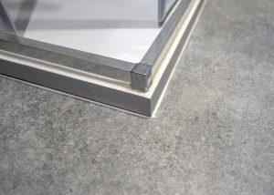 suelo gris baño