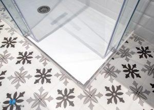 suelo hidráulico baño
