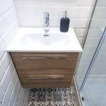 pavimento hidráulico baño