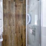 azulejos madera baño