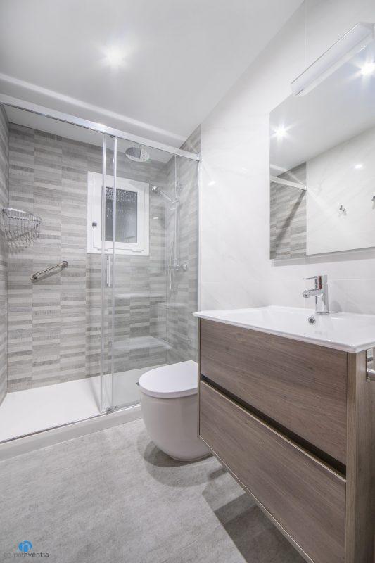 Reforma de baño en Barcelona calle Bolivia (2)