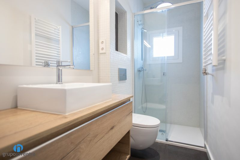 Reforma de baños en Barcelona (2)